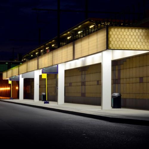 Kunststof composiet stationskappen staal kolom constructie