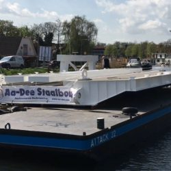 Brug over rotte transport over water